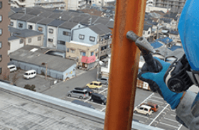 避雷針支持管の打音検査